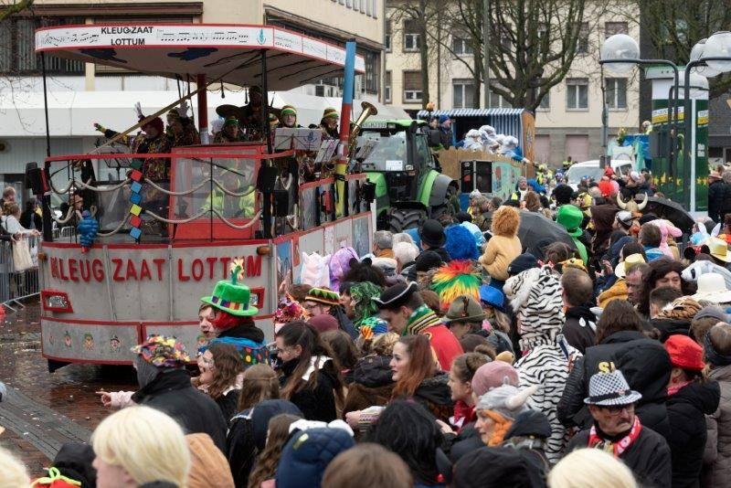 Rosenmontagszug krefeld 2020